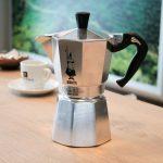 Accueil / Machines à café / Cafetières italiennes / Cafetière italienne  Bialetti Moka Express 6 tasses