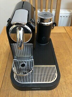 Nespresso Magimix Citiz Coffee Machine (black) with Milk Frother Hardly Used
