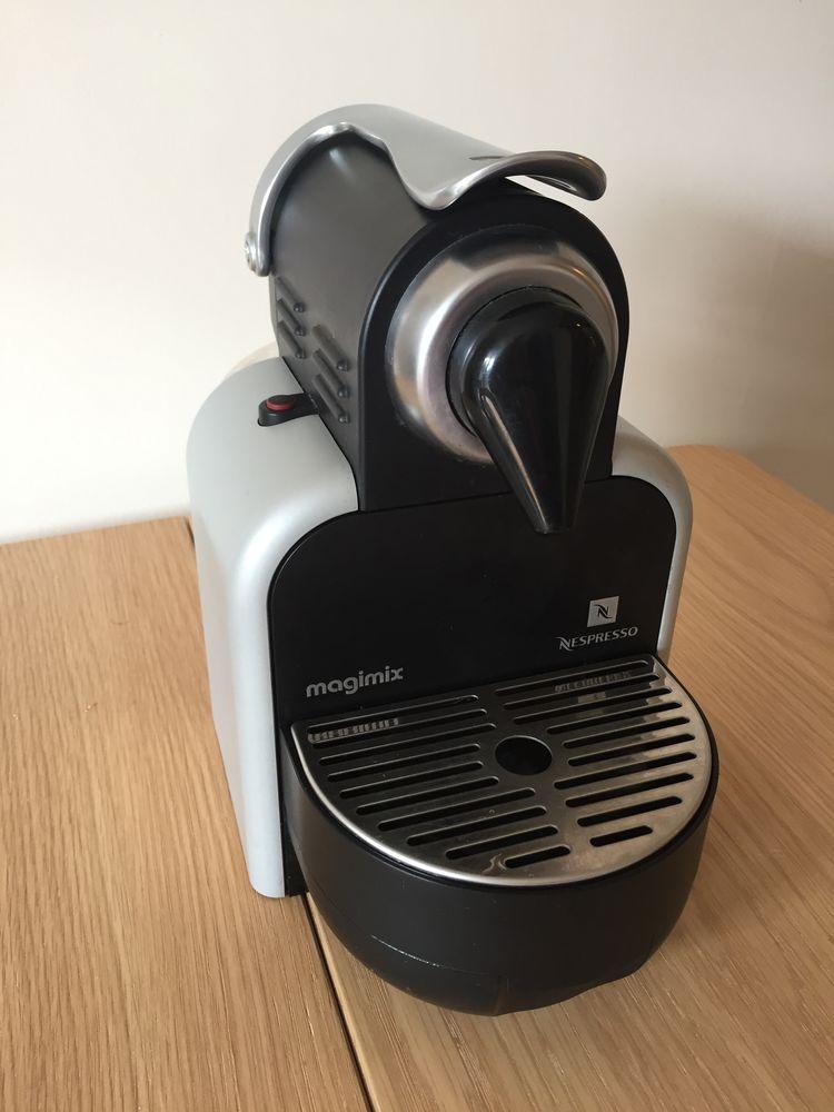 Cafetière Nespresso Electroménager