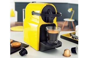 Equipée du systme exclusif d'extraction Nespresso, elle chauffe à  température idéale en 25 secondes.