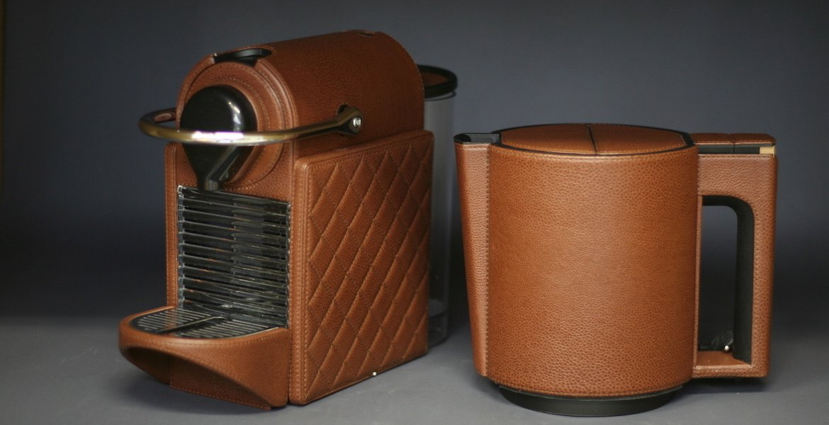 Leather-clad coffee machines at home and in the office